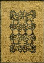 Rizzy Rugs Traditional Aquarius Area Rug Collection