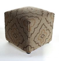 Momeni Contemporary Veranda pouf/ottoman Collection